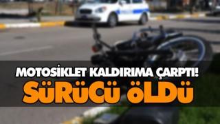 MOTOSİKLET KALDIRIMA ÇARPTI! SÜRÜCÜ ÖLDÜ